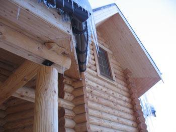 Деревянному дому нужен уход