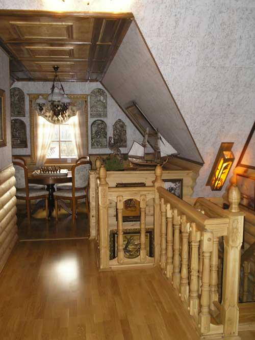 Отделка деревянного дома. Потолок мансарды