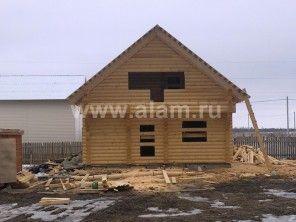 Небольшой дом из дерева