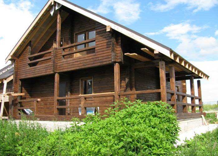 Дом из бруса с террасой и гаражом ПБ-94